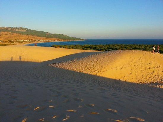 Climb the sand dunes (76980628)