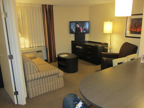 Candlewood Suites Las Vegas: Comfy Lounge
