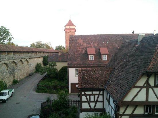 Hotel-Gasthof Klingentor: Rotherburg city wall