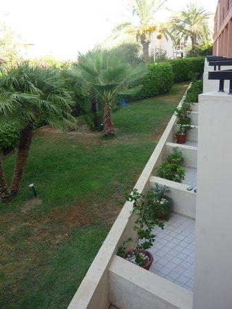 Minos Mare Hotel : zicht van op mijn kamer