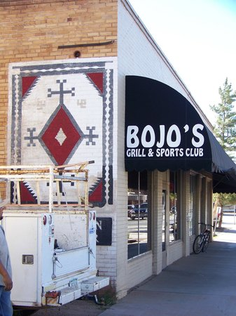 Bojo's Grill & Sports Club: Bojo's - a local favorite.