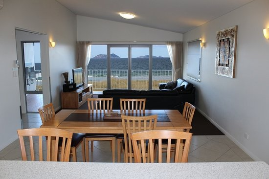 BIG4 Middleton Beach Holiday Park: Beach House Living with view