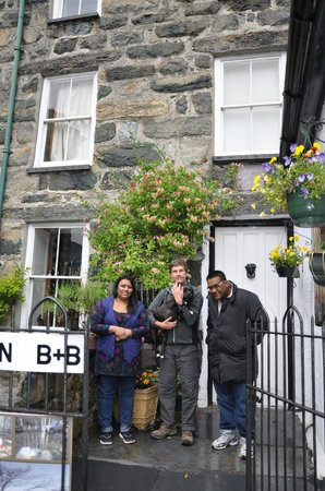 Ty Seren Bed and Breakfast: With Nick and Ruby! Saying our farewells after an awesome stay!