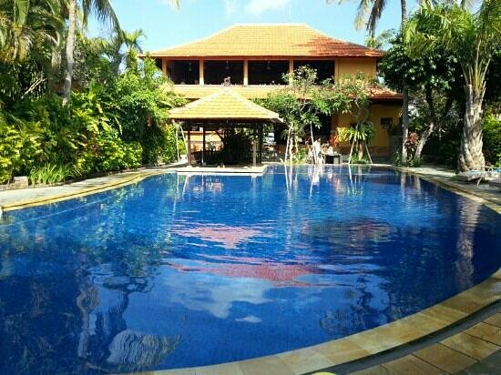 Three Brothers Bungalows: pool
