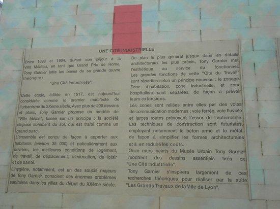 Musee Urbain Tony Garnier: Détail de la fresque-annonce du Musée : une cité industrielle