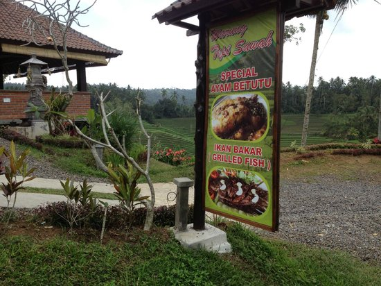 Warung Tepi Sawah: Entrance sign