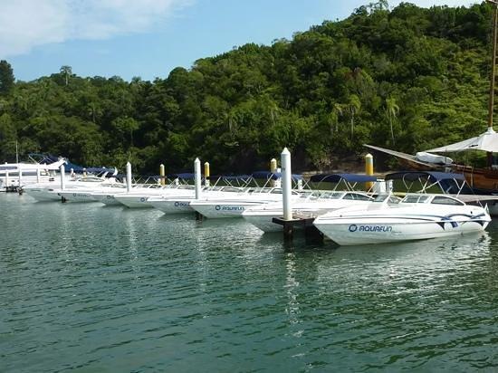 Promenade Angra dos Reis: Frota de lanchas AquaFun na Marina Meliá