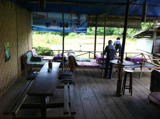 Jammee Guest House : Breakfast area