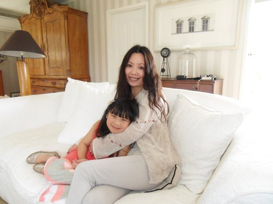 Bycroft Lodge Bed and Breakfast: Our lovely host Ling and her daughter Emily