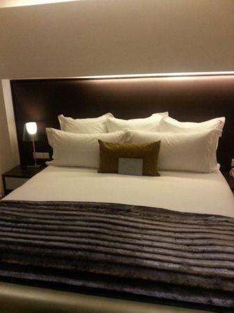 African Pride 15 On Orange Hotel : Bed