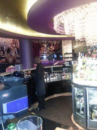 African Pride 15 On Orange Hotel : Bar Area