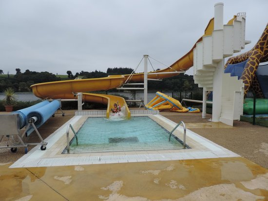 Camping Au Bocage du Lac: tobogan piscine du camping