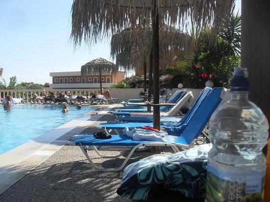 Kounopetra, Grecia: pool
