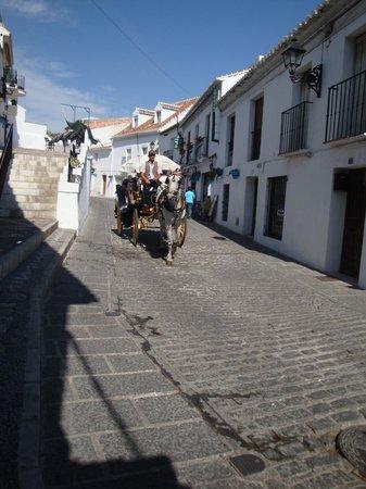 El Escudo de MIjas: A Typical Mijas street