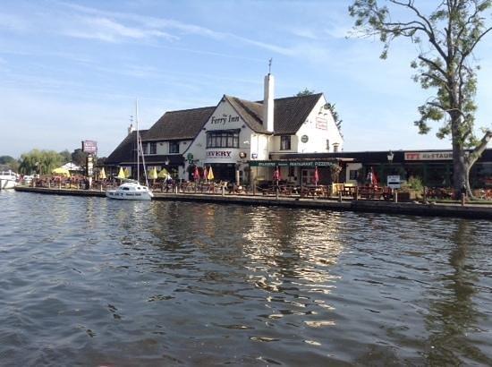 Fineway Leisure: The Ferry Inn Horning