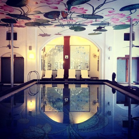 The House of MG: The stunning Lotus pool