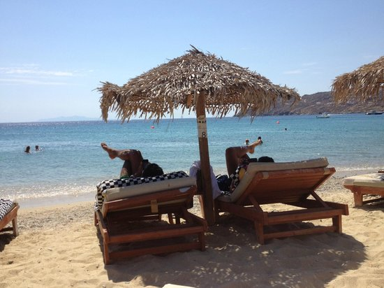 Arte & Mare Elia Mykonos Suites : Private beach area
