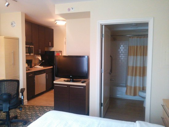 TownePlace Suites Republic Airport Long Island/Farmingdale: キレイな部屋です