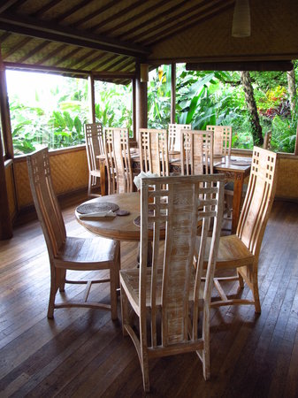 Bali Mountain Retreat: Dining area