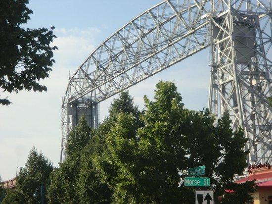 Comfort Suites Canal Park: Aerial lift bridge - Canal Park Drive