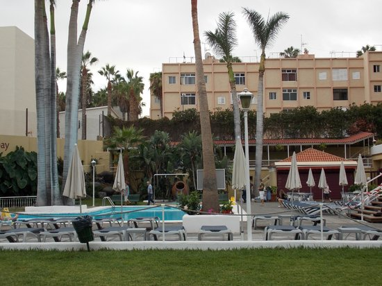 Be Live Adults Only Tenerife: pool from garden