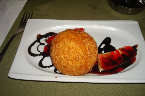 Majestic Restaurant: Deep Fried Ice Cream