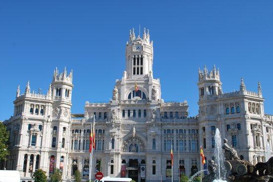 Edificio de correos fotograf a de palacio de cibeles for Correo comunidad de madrid