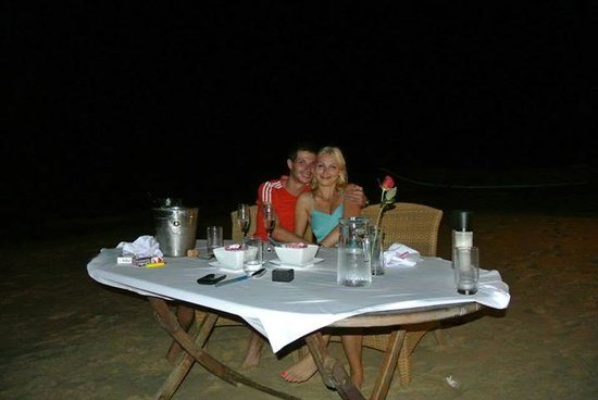 Coral Seekers : Perfect Dinner alone on the beach!