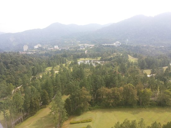 Awana Hotel: the golf course
