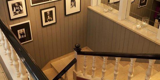 Il Salotto : escaleras