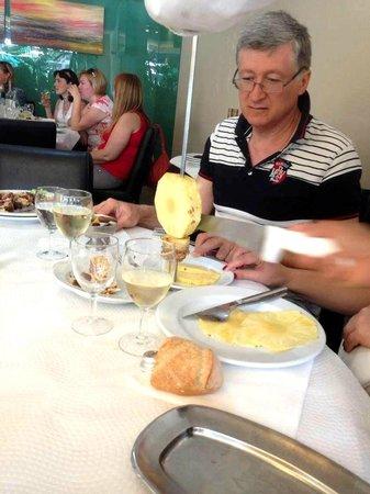Sabor Mineiro : Pineapple on a skewer