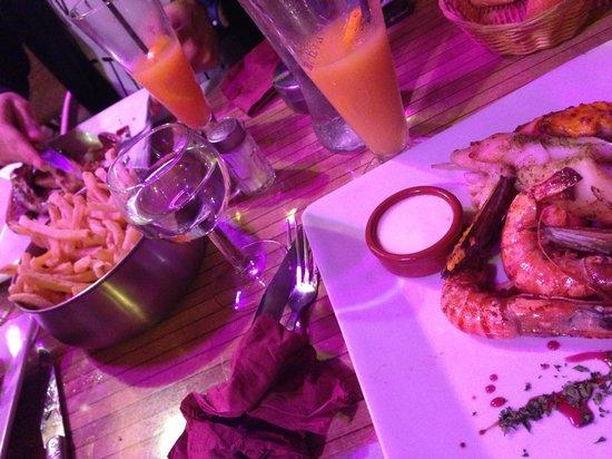 l'ane qui tousse: plats de fruits de mer