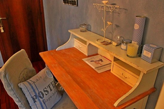 Bed and Breakfast Casa di Mary: Camera CHIC - Scrittoio