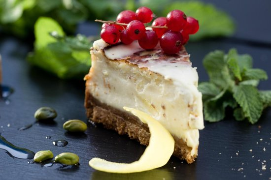 Hotel N'vY: Famous cheese cake at Tag's Café