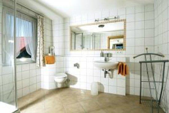 Hotel Engel: Bad Doppelzimmer de Luxe