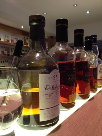 Amber Restaurant at the Scotch Whisky Experience: Beatiful malts in a row