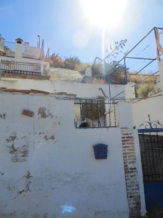 Play Granada: One of the Cave Houses in Sacremento