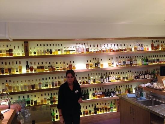Amber Restaurant at the Scotch Whisky Experience: The bar