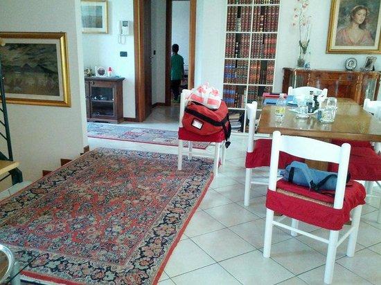 Villa Maria: Hall & dining room