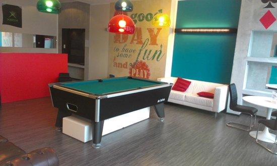 Floris Ustel Midi: pool table