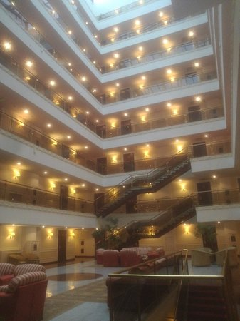 Borodino Hotel : Hall du 5e etage et +