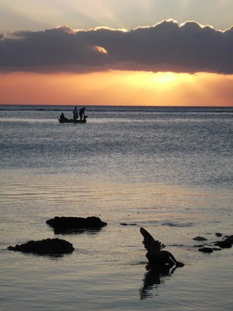 The Oberoi, Mauritius: Sunset of Mauritius taken from the Oberoi beach front
