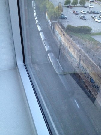 SpringHill Suites Pittsburgh Southside Works: Freight train - this is the 7:00am. (Preceded by hourly freight trains...)