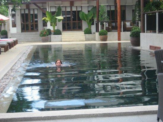 Baan Yin Dee Boutique Resort: Pool