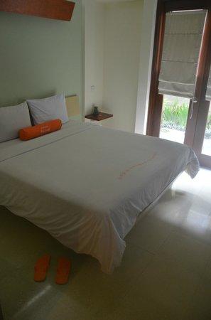 HARRIS Hotel Tuban: Bed