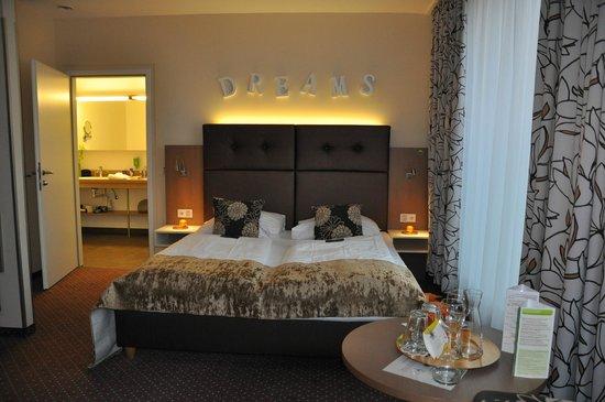 Boutique Hotel Stadthalle: Die Junior Suite 563 im Passivhaus