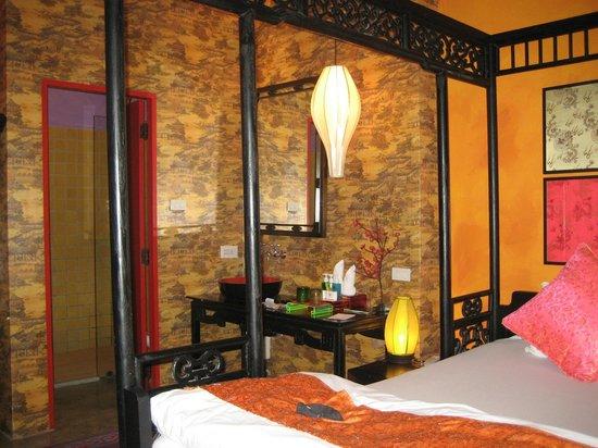 Sabai Sabai at Sukhumvit Hotel: Room