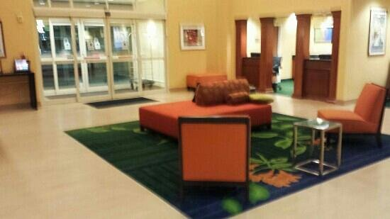 Fairfield Inn & Suites Phoenix Midtown: Lobby with new tile