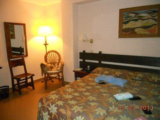 Hotel Lima Marbella: HABITACION