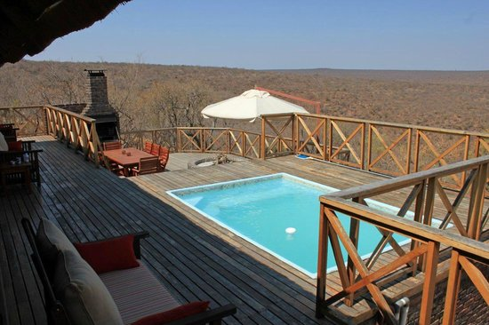 Dinkweng Safari Lodge: View of deck